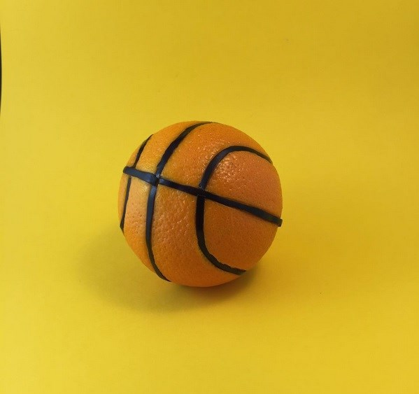 orange balon de basket mundane matters