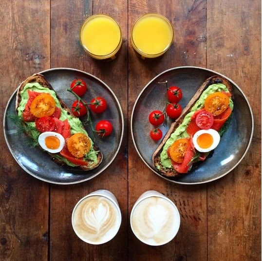 symmetry breakfast tartine avocat