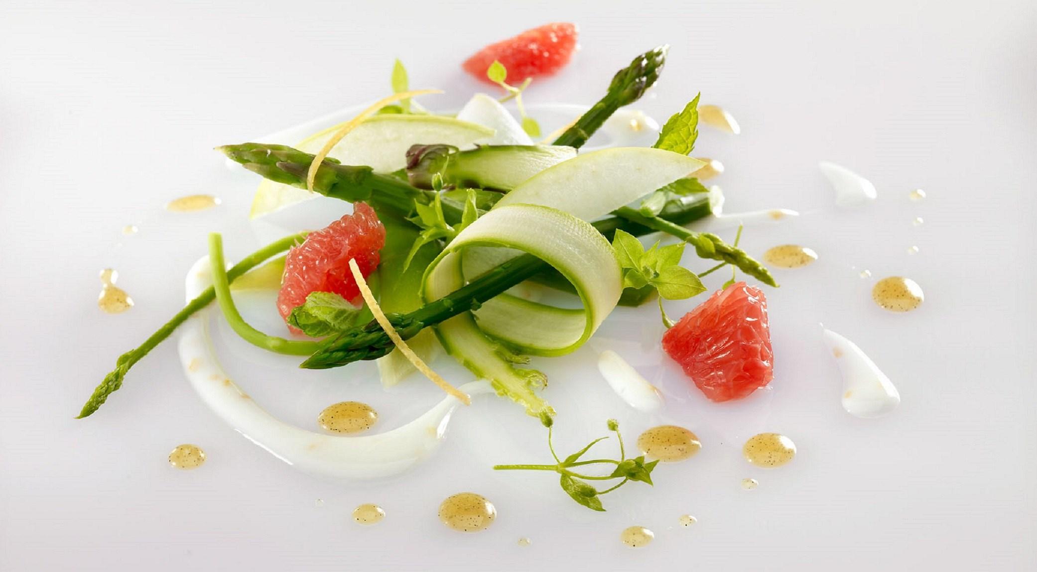 Salade asperge et sauce au yaourt et miel d'acacia vanillé